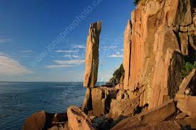 [Image: balancerock12.jpg]